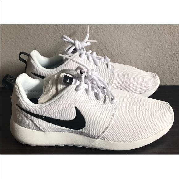 a8160984413a Nike ROSHE ONE SHOES WHITE BLACK 844994-101